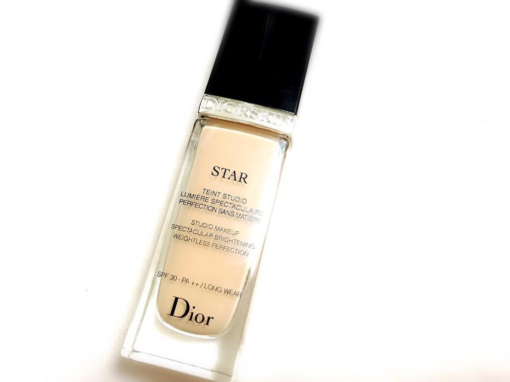 DiorのリキッドファンデーションのSTAR011番