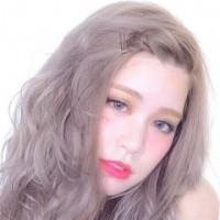 モデル まりこ