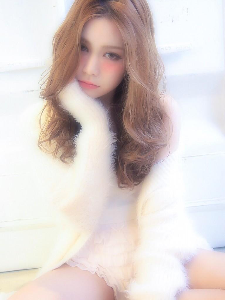 サロンモデル まりこ