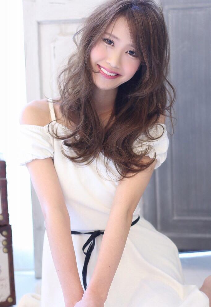 MODEL by 山下 りかさん