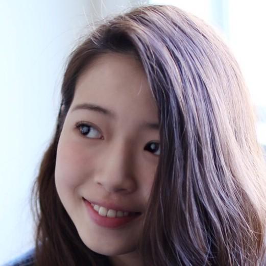 サロンモデル 岩崎紗弥